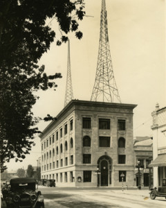 In 1925 the imposing Star News building was erected on the corner of Colorado Street and North Oakland. The fourth floor of the building housed radio studios and its roof, hosted a towering radio antenna, servicing its own 1000-watt radio station, KPSN (B8f-35a)
