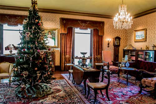 Fenyes Drawing Room with holiday decor