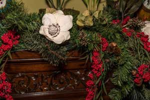holiday decor in dining room