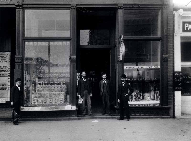 Glasscock and Vroman at 60 E Colorado (Courtesy of Pasadena Public Library, v2#203)