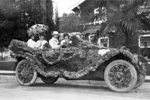 Decorated car in the Tournamentof Roses parade, 1911 (Main Photo Collection, TR57-9)