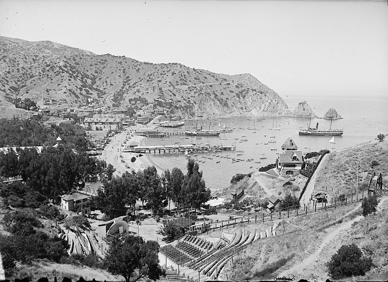 Detroit Publishing Co., Publisher. Harbor and Avalon Greek Theater, Avalon, Catalina Island, Calif. Avalon Avalon. California Santa Catalina Island Santa Catalina Island. United States, None. [Between 1900 and 1915] Photograph. https://www.loc.gov/item/2016800612/.