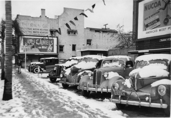 Fair Oaks Avenue just south of Green Street, January 1949 (Main Photo Collection, E-1-36)